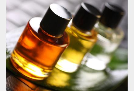 les huiles essentielles pour soigner les d sagr ments de l hiver dictionnaire huiles essentielles. Black Bedroom Furniture Sets. Home Design Ideas